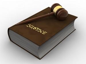 droit 300x225 - Quels sont les risques juridiques les plus importants quand on se lance dans l'E-commerce ?