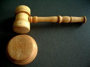 """justice 300x225 - Ouverture de la section """"Droit et e-commerce"""""""