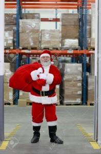 pere noel entrepot 197x300 - Logistique de Noël : e-commerçants êtes-vous prêts ?